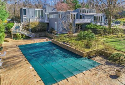 31 Laurel Cove Road Oyster Bay Cove NY 11771