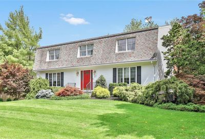 127 S Little Tor Road Clarkstown NY 10956