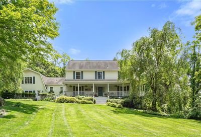 31 Indian Hill Road Bedford NY 10506