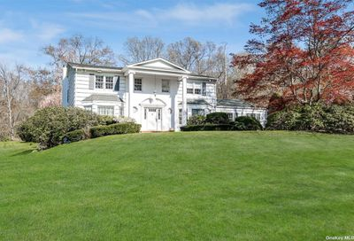 9 Chelmsford Drive Muttontown NY 11545