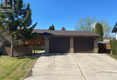 23 Newcomb Crescent Red Deer AB T4P1T9