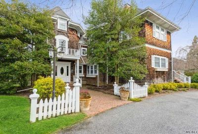 92 S Windsor Avenue Brightwaters NY 11718