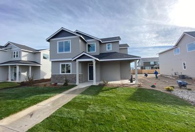 752 NW 27th Street Redmond OR 97756
