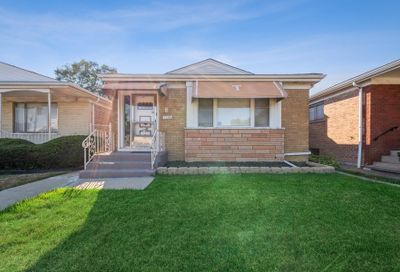 9846 S King Drive Chicago IL 60628