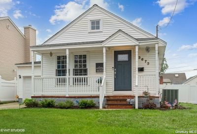 3673 Lufberry Avenue Wantagh NY 11793