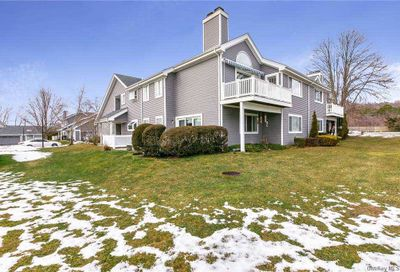 398 W Shore Court Moriches NY 11955
