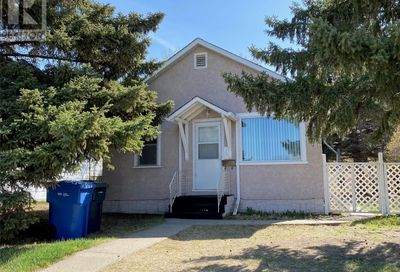 1562 102nd ST North Battleford SK S9A1G8