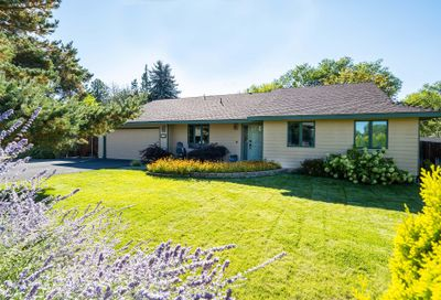 2285 NW 12th Street Redmond OR 97756
