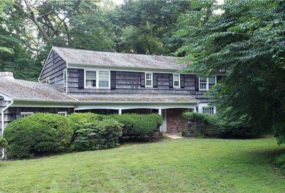125 Hunters Drive Muttontown NY 11791