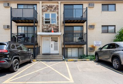 5113 N East River Road Chicago IL 60656