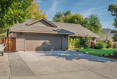 2033 NW Quince Avenue Redmond OR 97756