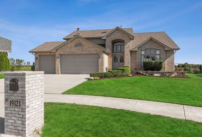19323 Woodfield Court Tinley Park IL 60487