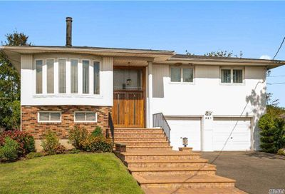 687 Arbuckle Ave Woodmere NY 11598