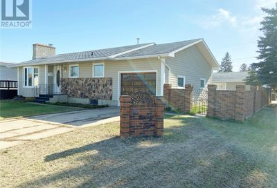 1098 Corman CRES Moose Jaw SK S6H6W1