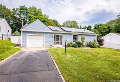 17 Fairview Place Hauppauge NY 11788
