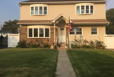 206 Bette Road East Meadow NY 11554