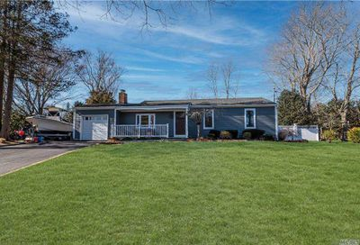 16 Pine Edge Drive East Moriches NY 11940