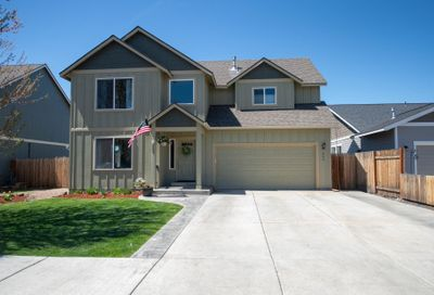 265 NW 28th Street Redmond OR 97756