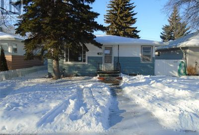 1122 Monk AVE Moose Jaw SK S6H4E6