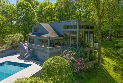 25 Christopher Road Bedford NY 10549