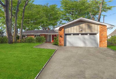 770 Connecticut View Drive Oyster Bay NY 11771
