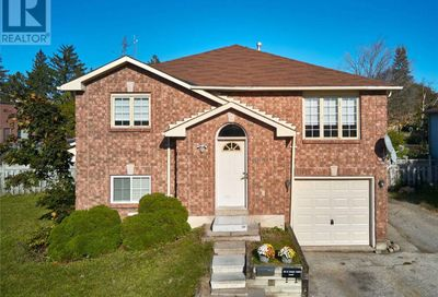 335 St Vincent Street Barrie ON L4M4A4