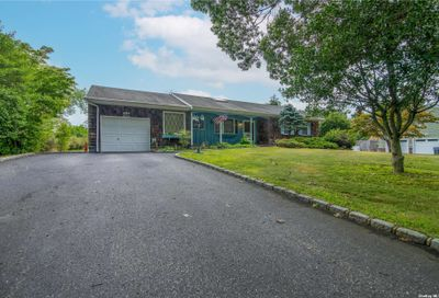 7 Mill Pond Lane East Moriches NY 11940