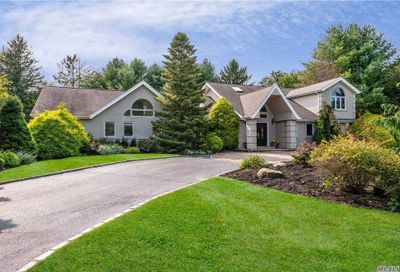 24 Highmeadow Lane Oyster Bay Cove NY 11771