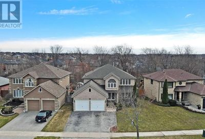 31 Carley Crescent Barrie ON L4N0M8