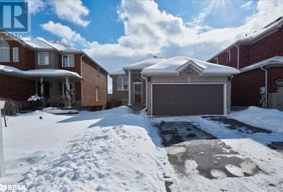 171 Birkhall Place Barrie ON L4N0K9