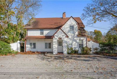 304 Montauk Highway East Moriches NY 11940