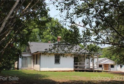 1413 Old Henrietta Road Forest City NC 28043