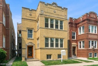 5734 N Campbell Avenue Chicago IL 60659