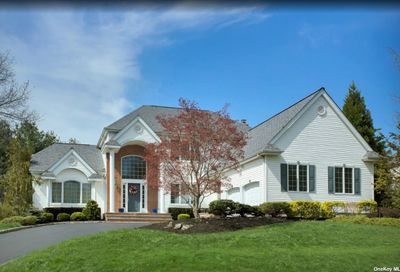 13 Hunting Hollow Court Dix Hills NY 11746