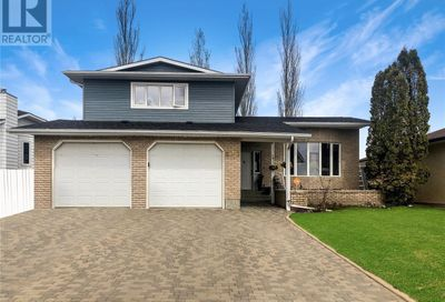 615 Colonel Otter DR Swift Current SK S9H4Z7