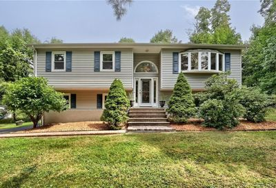 20 Eastlyn Drive Clarkstown NY 10954