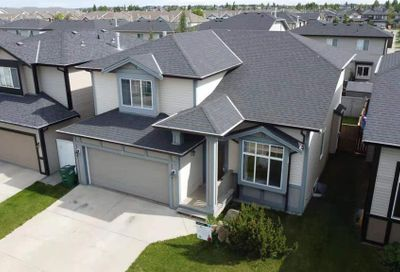 121 Luxstone Route Airdrie AB T4B0J7