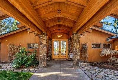 2002 NW Glassow Drive Bend OR 97703