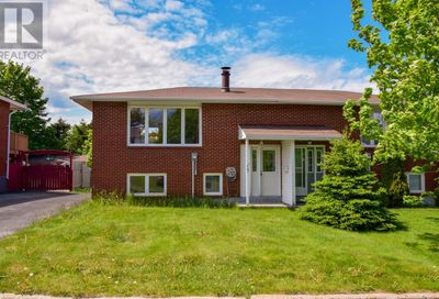 13 Diamond Place Mount Pearl  A1N2V6