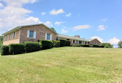 7 Brookshire Road Leicester NC 28748