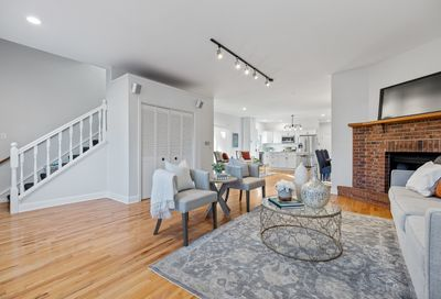 102 S Quincy Street Hinsdale IL 60521