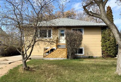 510 5th AVE NW Swift Current SK S9H0X3