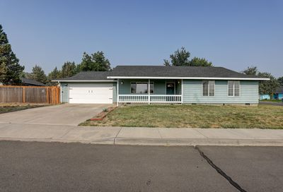 1112 SW Kenwood Drive Madras OR 97741