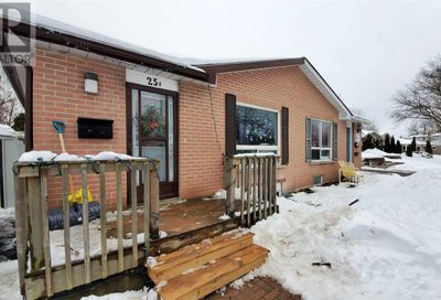 25a College Crescent Barrie ON L4M2W4