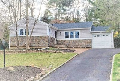 15 Renville Court Mill Neck NY 11765