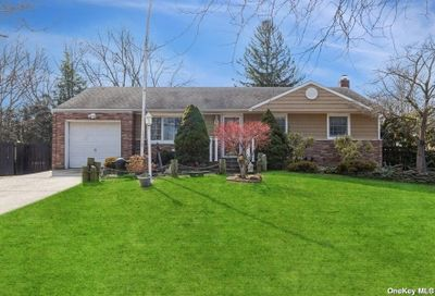 112 Cedar Road E. Northport NY 11731