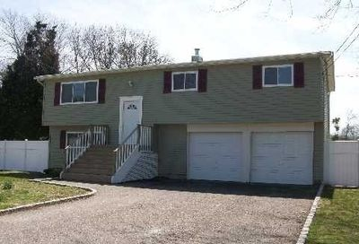 78 Arpage Drive Shirley NY 11967