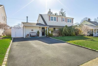 59 Tanager Lane Levittown NY 11756
