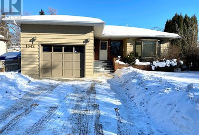 1642 98th ST North Battleford SK S9A0M8