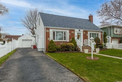 3122 Perry Avenue Oceanside NY 11572